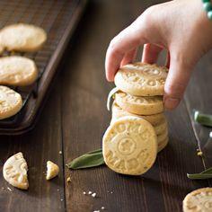 Lemon Sage Shortbread Cookies