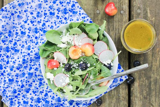 Baby Greens Salad with Fruit