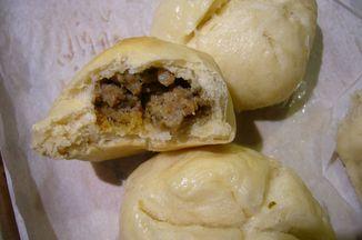420644a0 c43c 420f bc7b 876f89710f9d  guac sausage fennel buns 011