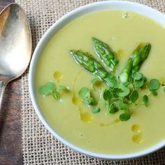 creamy asparagus sunchoke soup