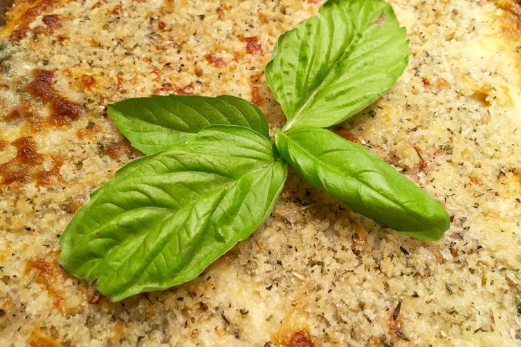 Cheesy Tortelleni Ricotta Spinach Bake with Herby Breadcrumbs