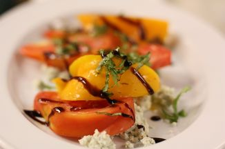 Fbd0cfad 33f5 4773 8c36 971c6a51b45e  heirloom tomato salad