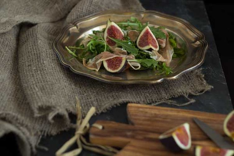 Rocket Salad With Prosciutto and Figs (insalata di prosciutto, rucola e fichi)