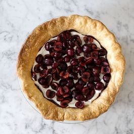 Fe33218d-b8f4-4164-a69b-eb5d9d7bb8ab.chocolate_cherry_pie