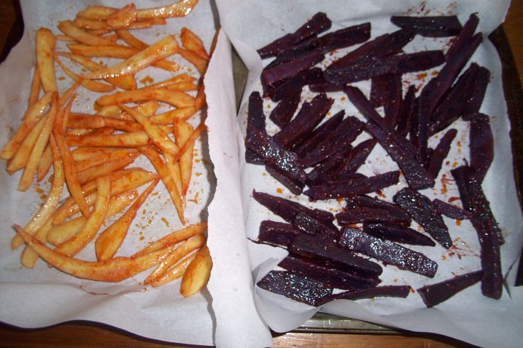 Parsley root and purple sweet potatoes fries