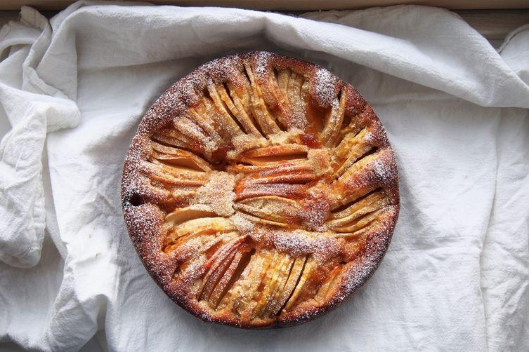 My Mum's Apple Cake
