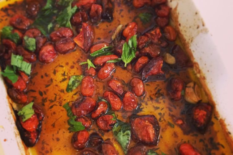 Sweet cherry tomato sauce