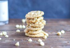 Chewy White Chocolate Macadamia Nut Cookies