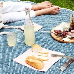 Gatherings: Eating Outdoors