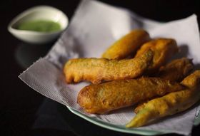 How to Make Mulaku Bajji (Jalapeño Fritters with Mint Chutney)