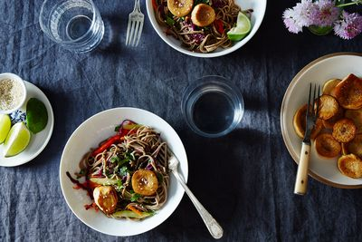 53b5e8d6 d73d 4b35 9f75 a1b7cf79a4c2  2015 0519 sesame noodle salad with seared mushrooms james ransom 031