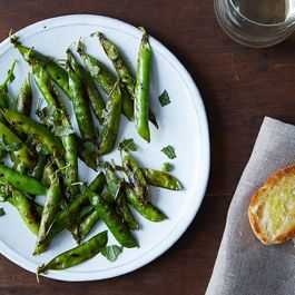827e4e50-b9cd-4d1b-95a1-ceb4091f476d--grilled-english-peas_food52_mark_weinberg_14-07-01_0049