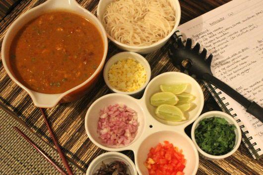 Burmese chicken khow suey