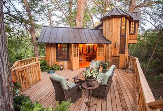 10 Tiny Houses Where the Yard Steals the Show