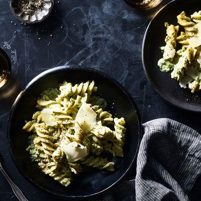 Creamy Raw Asparagus Pesto