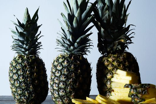 The Pineapple Cutting Trick We Learned From Chrissy Teigen's Mom