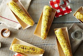 """The """"Best"""" Way to Eat Corn on the Cob, According to the Internet"""