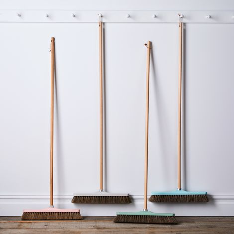 Vintage-Inspired French Push Broom, 16.5""