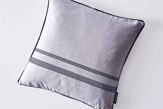 Outdoor Weatherproof Throw Cushions