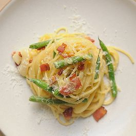 Pasta Carbonara w/ Fresh Green Beans