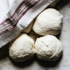 10 Essential Tools for Making Sourdough Bread at Home