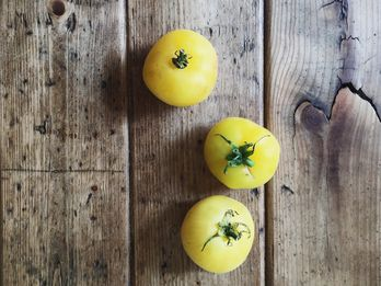 The Silly Little Tomatoes That Think They're Peaches