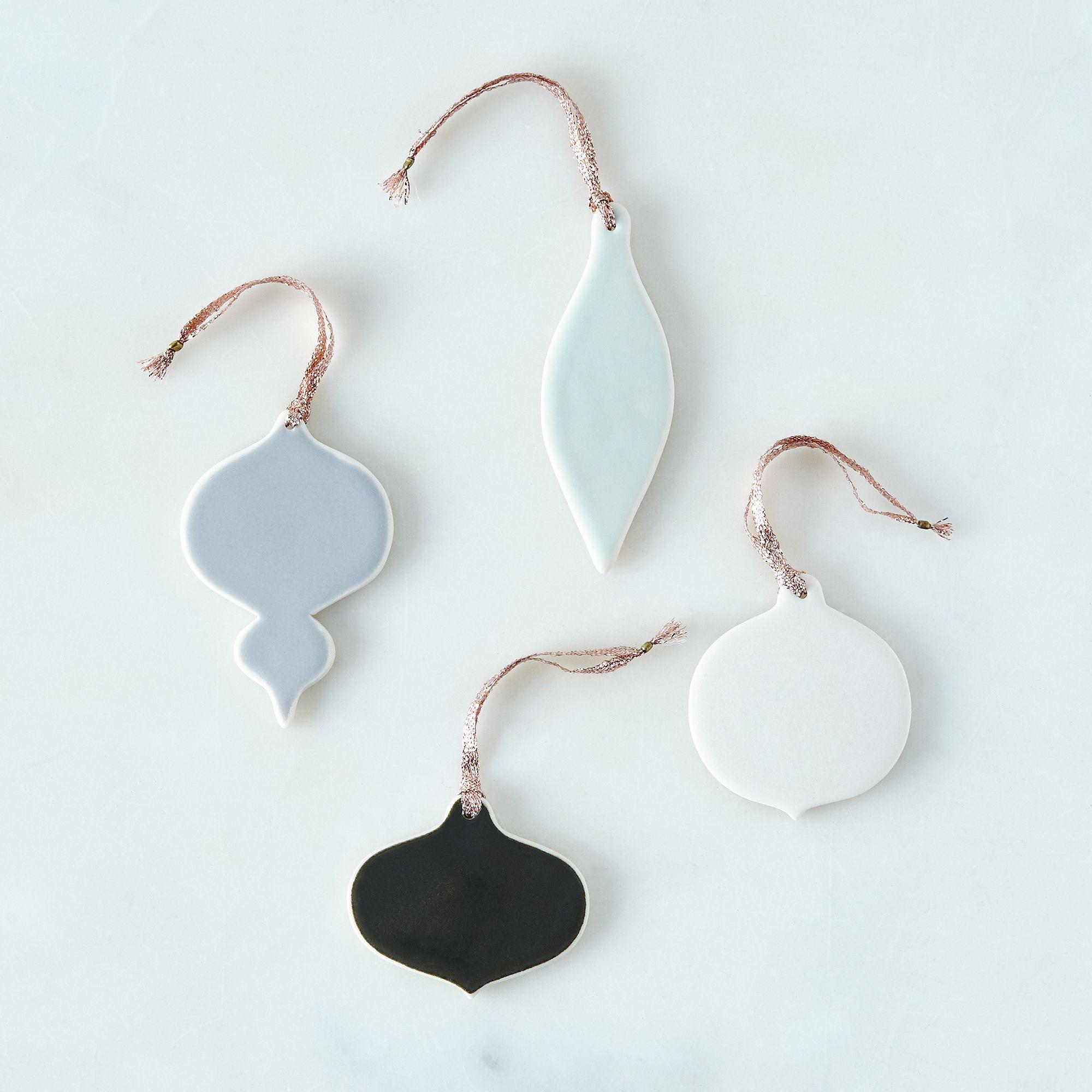 E5c83d6e 27dd 4386 a848 efa350c9e14b  2015 1009 pigeon toe ceramics ceramic glazed holiday ornaments set of 4 silo rocky luten 004