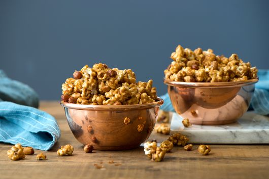 How to Make Cracker Jack at Home