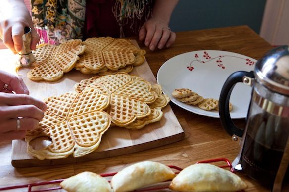 Cutting waffles