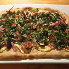 Fig, Brie & Prosciutto Pizza