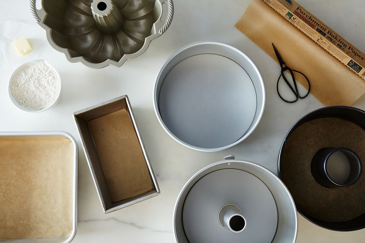 How To Prepare Pans For Baking Cakes