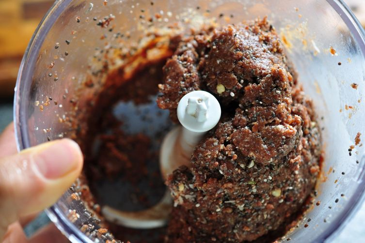 Green Queen's Superfood Protein Crunch Balls of Goodness Recipe