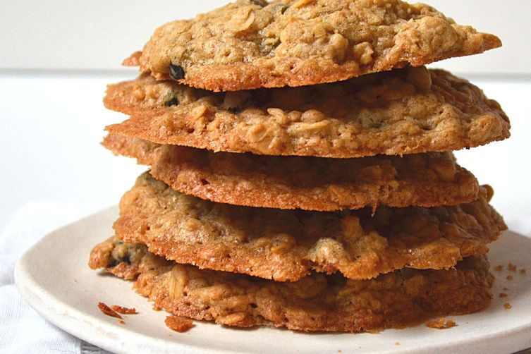 Easy Brown Sugar Oatmeal Cookies w/ Dried Blueberries ~ Moist & Chewy