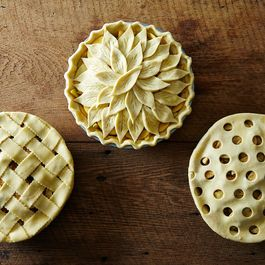 6 Ways to Fancy Up Your Pies