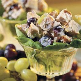 E549ed9e-2472-476f-b0f6-883a671b9ba5.chicken_salad_with_grapes