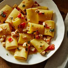 617285f3-684a-45f0-b265-e4aabe4f7479--2015-1116_paccheri-with-swordfish-ragu-044_james-ransom