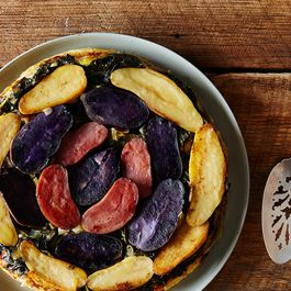Eb0a59a6 0947 4fc2 a408 f856d47df524  2015 0303 tarte tatin with greens and fennel 007