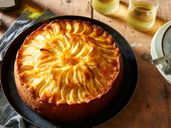 """The """"Epic"""" Apple-Almond Cake That Was Nearly Overlooked"""