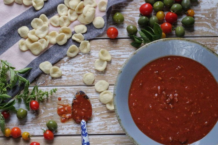 Salsa magro and spaghetti