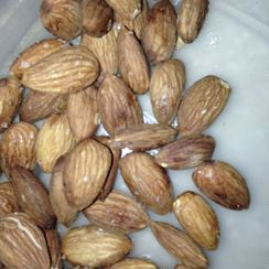 Quick, Easy, Non-Greasy Spiced Roasted Almonds