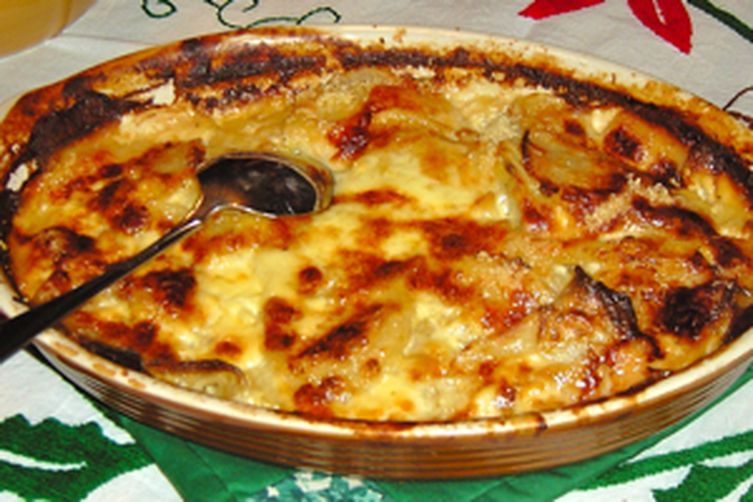gratin dauphinois lyon really rich potato gratin recipe on food52. Black Bedroom Furniture Sets. Home Design Ideas