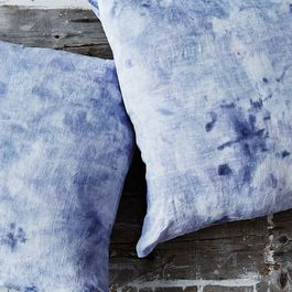 8e193471-7162-4e87-a4ca-aadba487d8ee--2015-0806_how-to-tie-dye-a-pillowcase_james-bobbi-lin_6992