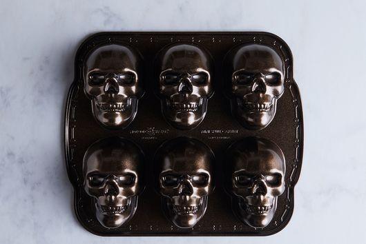 Nordic Ware Skull Cakelets Pan