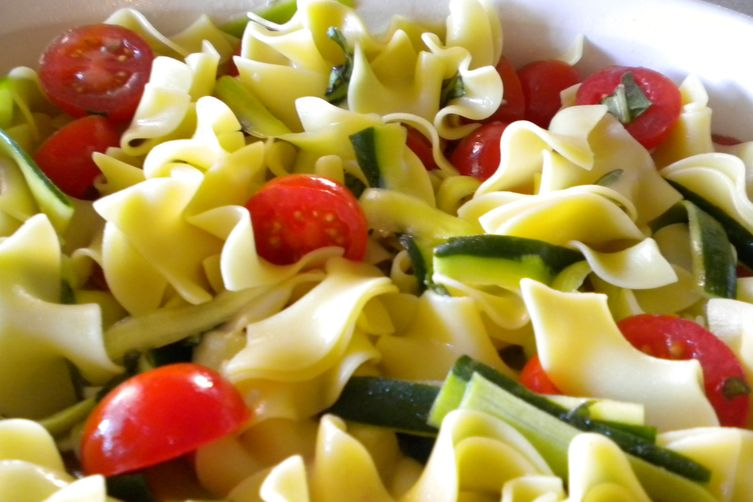 Cherry Tomatoes and Zucchini with Buttery Noodles