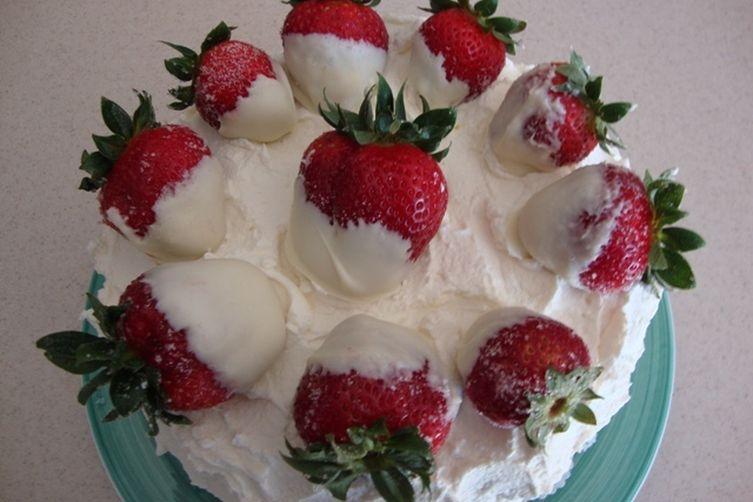 Fresh Strawberry Whipped Cream Cake