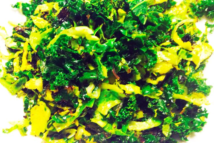 Kale Brussel Sprouts Stir-fry with Mustard Seeds & Coconut (South Indian Thoren)
