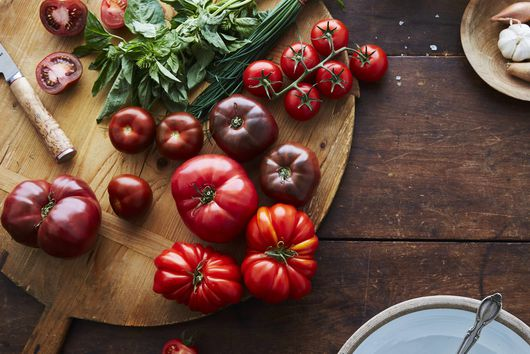 The Scrappy Tomato Trick We're Obsessed With This Summer