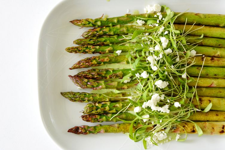 Chargrilled Asparagus with a Herb and Yoghurt Dressing