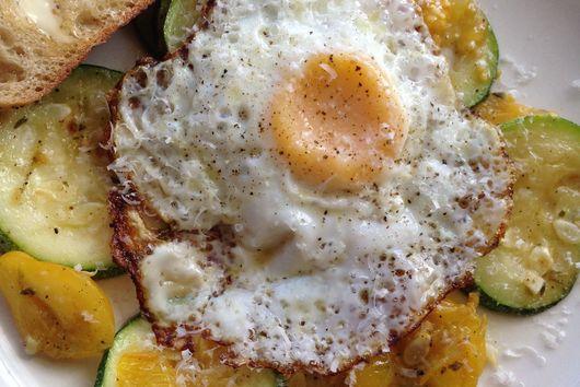 Zucchini and Pear Tomato Breakfast