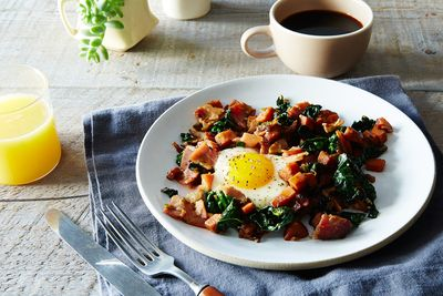 C472eb38 3abe 4e57 bb7b 2a182f9105fb  2016 0222 sweet potato kale country ham hash with maple red eye gravy james ransom 036
